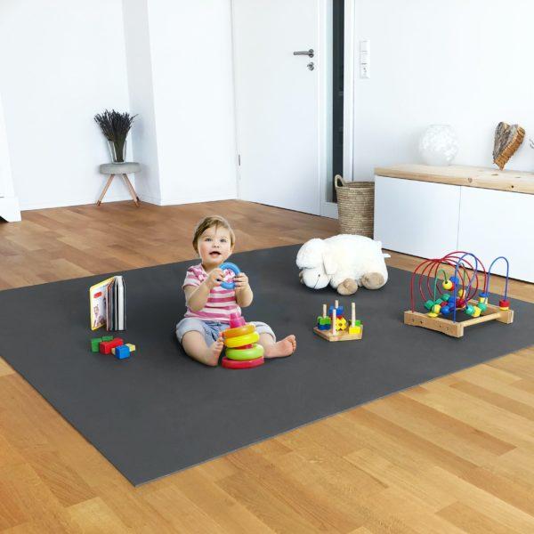 Spielmatte Krabbelmatte mit Kind